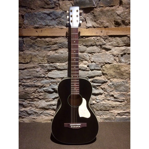 Art and Lutherie Roadhouse Parlor Faded Black 045532