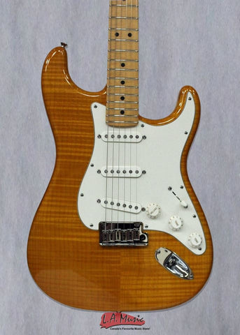 Fender Custom Shop 2013 Custom Deluxe Stratocaster Amber Transparent Maple Neck F-1509962820 - L.A. Music - Canada's Favourite Music Store!