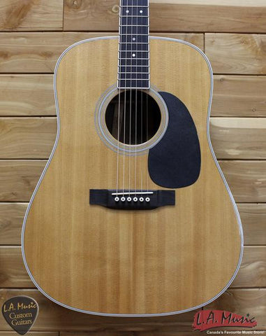 Martin D-35 Acoustic Guitar - Rosewood Back and Sides - L.A. Music - Canada's Favourite Music Store!