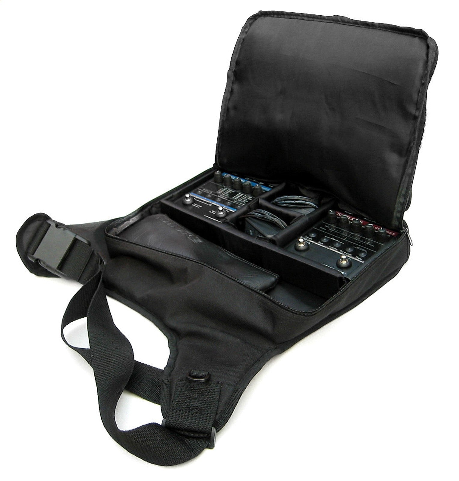 tc helicon gigbag voicelive 2 3 l a music canada 39 s favourite music store. Black Bedroom Furniture Sets. Home Design Ideas