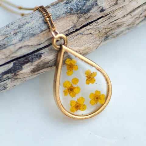 Mini Narcissus flower Necklace