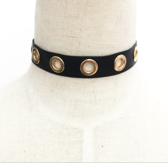 Cut-out Choker Necklace