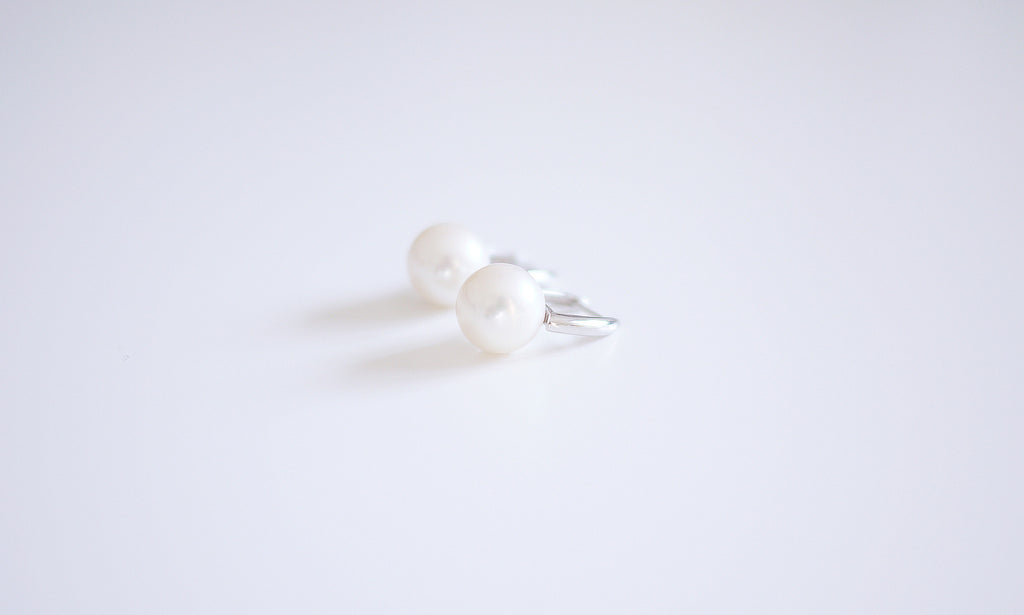 18K White-gold Super-size Perfect Pearl Stud Earrings - White