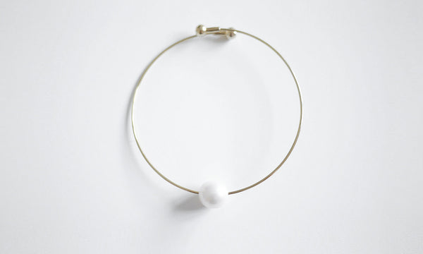 White Round Single Pearl Bracelet – an elegant piece of modern jewellery