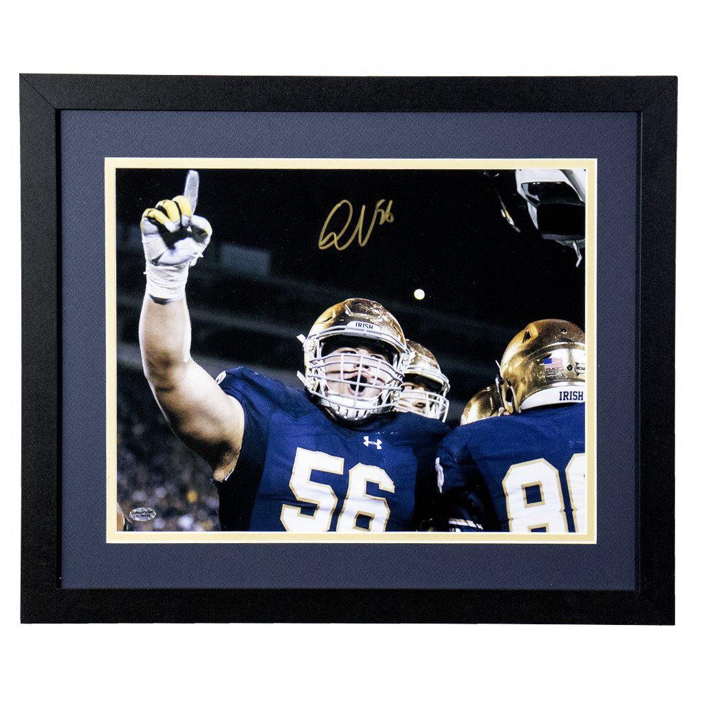 Quenton Nelson Notre Dame Fighting Irish 'Hand In Air' Autographed Framed 8x10
