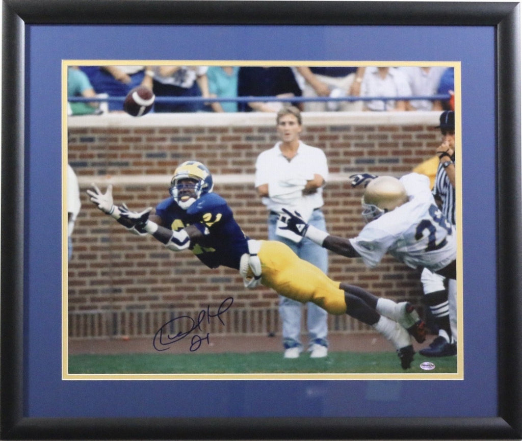Desmond Howard Autographed 16x20. Michigan Wolverines Diving Catch