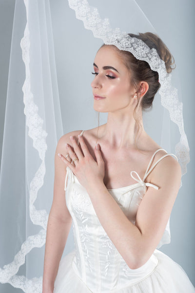 DAISY - Drop Veil with Lace Trim