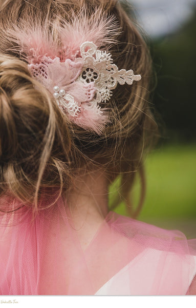 MAE - Blush Lace Hair Comb