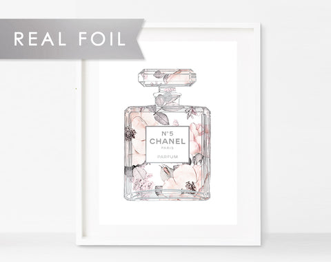 Chanel No 5 Bottle Roses Wallpaper