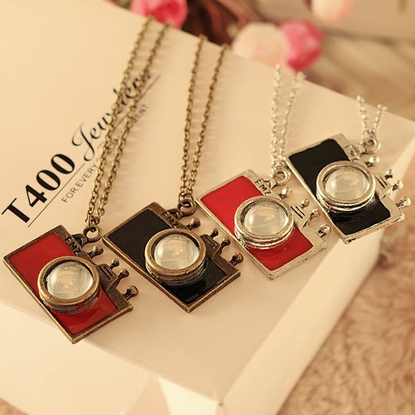 Vintage Camera Necklace - topnotchloot  - 2