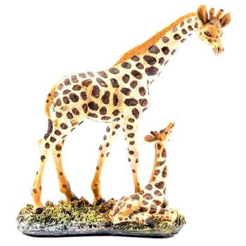 Small Resin Giraffe with Baby
