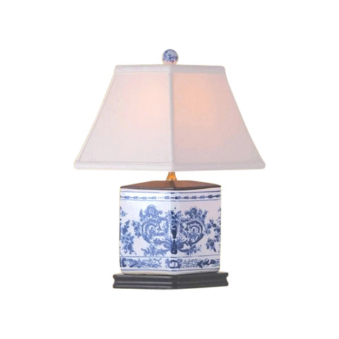 Chinese Blue and White Porcelain Diamond Vase Chinoiserie Floral Table Lamp 16""