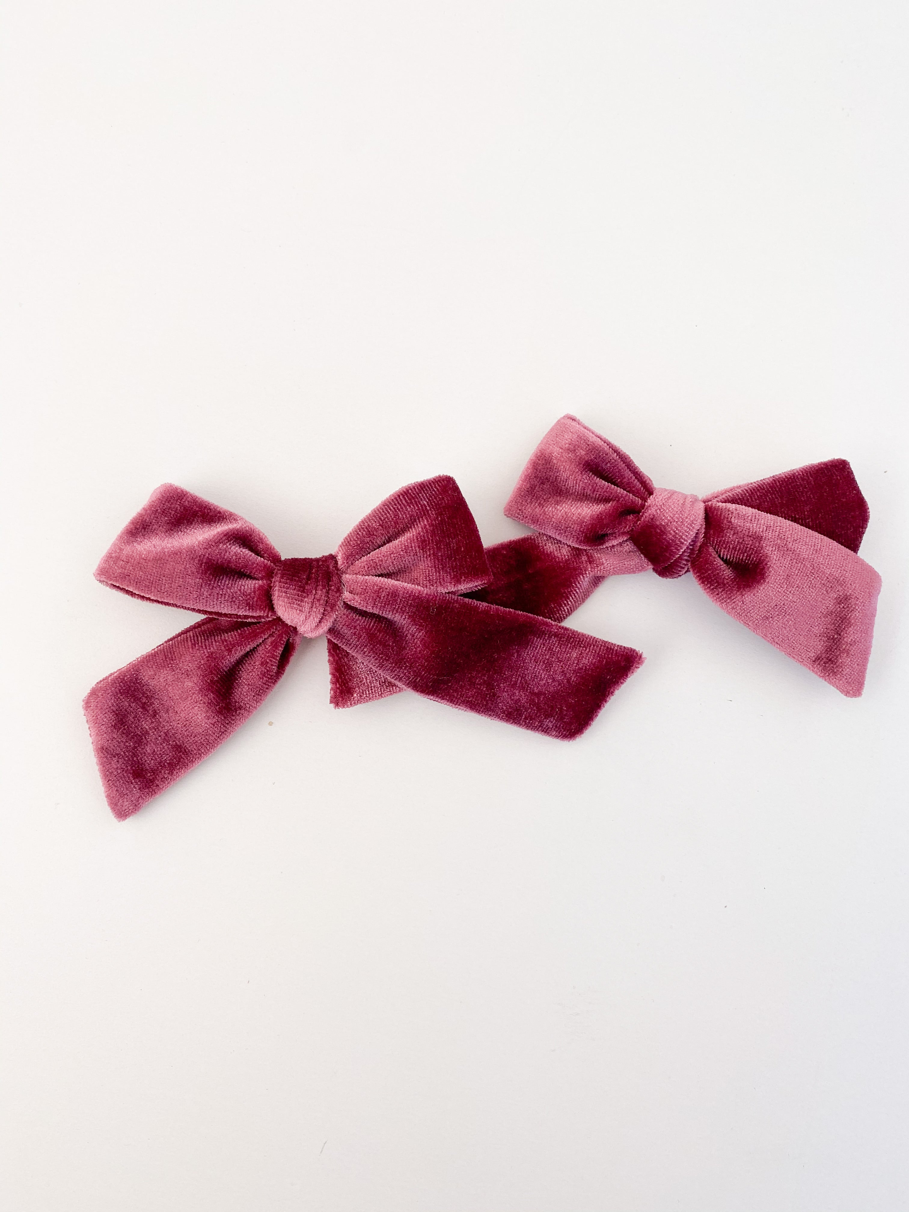 Velvet Berry Bow Set