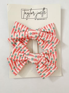 Carrot Bow Set