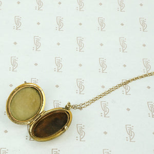 Lovely Old Cross Hatch Locket