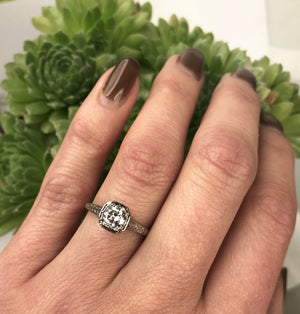 Edwardian Platinum Filigree Diamond Solitaire