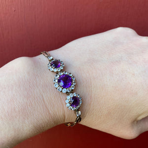 Cheerful White Sapphire and Amethyst Flower Bracelet