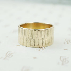 Unique Vintage 1960's Wide Gold Band