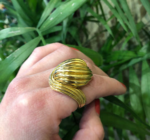 1960's Super Fab 18k Yellow Gold Swirl Ring