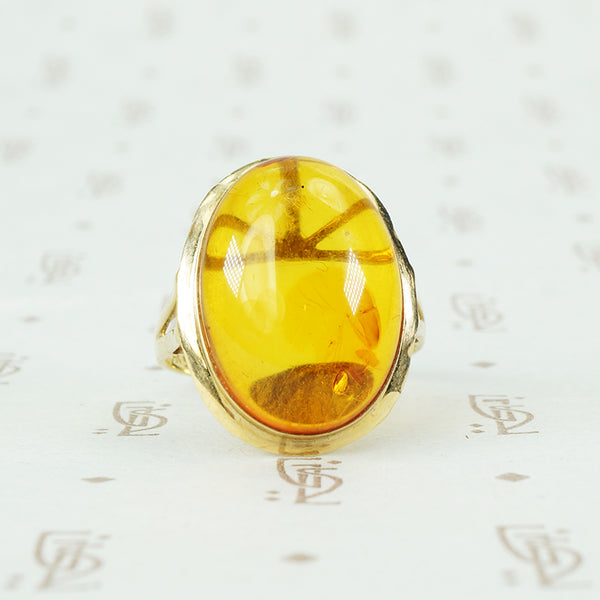 Golden Amber in Gold Vintage Ring