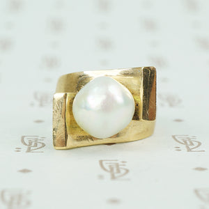 1970's chunky gold big pearl ring bypass style
