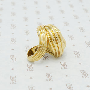 Big wavy 18k yellow gold chunky ring
