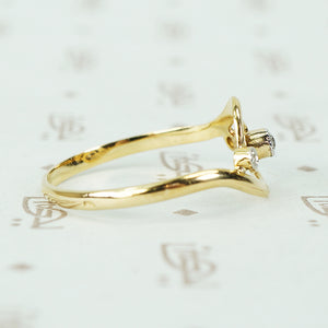 French Swirl Ring 18k Gold and Diamonds