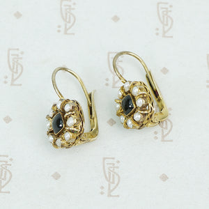 onyx and pearl gilt silver lever back earrings