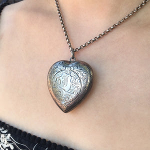 Silver Heart Powder Box Necklace