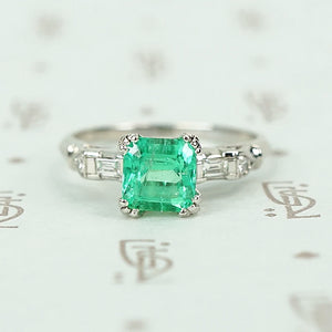 Lush Square Cut Emerald In Platinum Ring