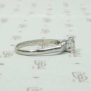 Timeless & Elegant Platinum Diamond Engagement Ring