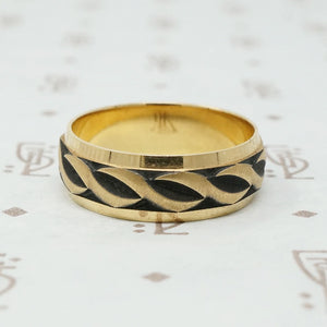 1970s Gold Artcarved Band With All The Details