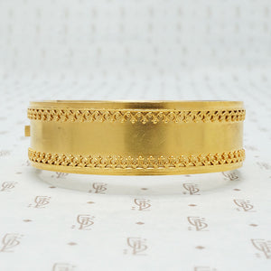 Luxuriously Detailed Pinchbeck Hinged Bangle