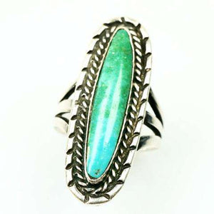 Graceful Vintage 1970's Native American Turquoise and Silver Ring