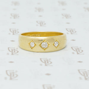 18k gypsy diamond band
