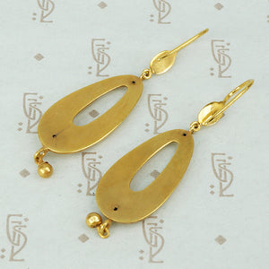 Beautifully Fluid Antique Gold Earrings