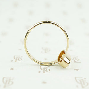 recycled 18k gold vintage imperial topaz ring detail