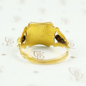 back panel view of antique gold ring