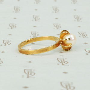 Elis Kappi 14k Yellow Gold Pearl Ring