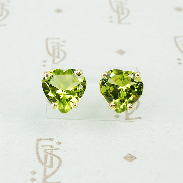 peridot gold heart stud earrings