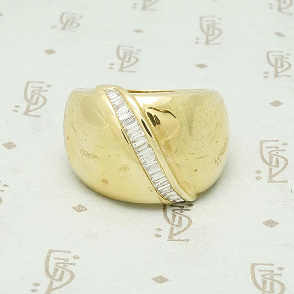 1980s Bright Gold & Baguette Statement Ring