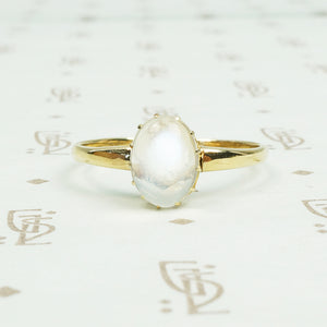 vintage moonstone and gold ring
