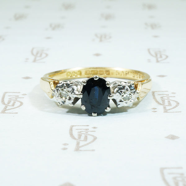 sapphire and diamond 3 stone engagement ring in 18k gold