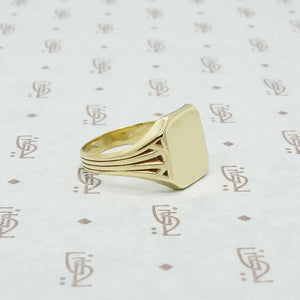 larter and sons 14k green gold signet ring side view