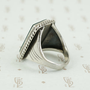 side view of agate silver ring