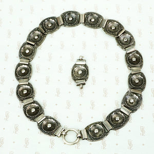 Amazing Antique Silver Collar of Flower Links