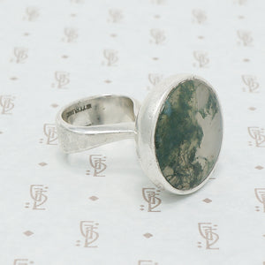 Moss Agate Modernist silver ring detail