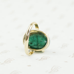 back of teal cabochon tourmaline ring