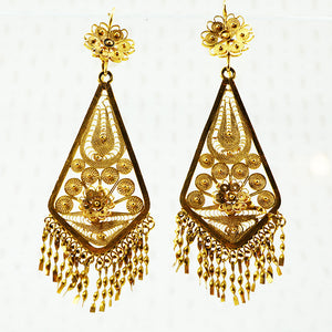 large filigree gold dangly earrings