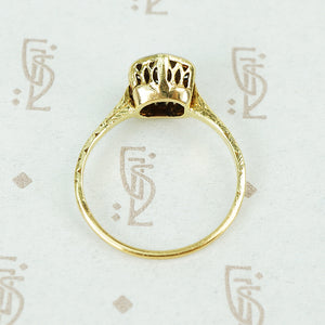 1920's yellow gold filigree diamond ring side view